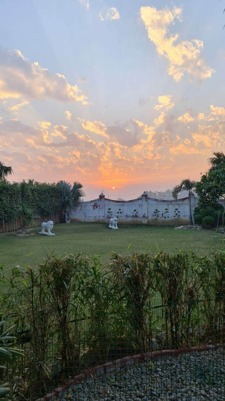 Farm House with best Sunset Views for full family.