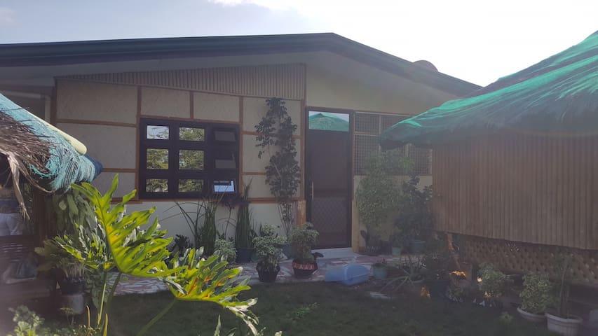 Cozy Bungalow Private Rest House