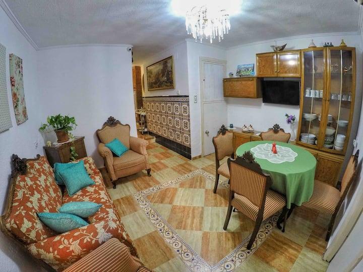 H2 - Descanso y Estilo: Habitación en Casa Andaluz