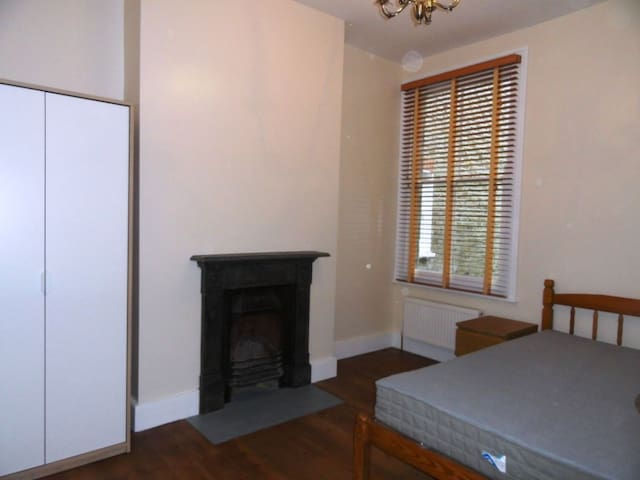 Private Room in a Character House in Clapham