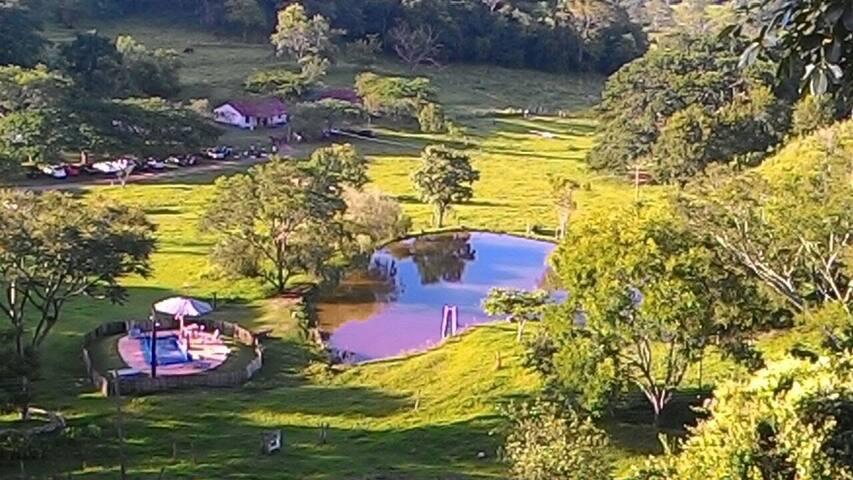 Vista para o lago desde a sede