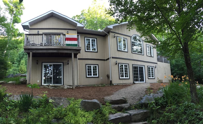 Executive Cottage Redstone Lake - Haliburton - Hus