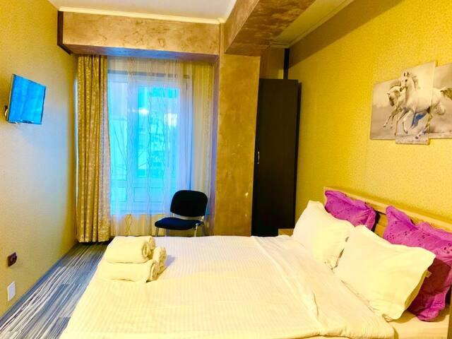 Comfortable & Cheap Accommodation near restaurant