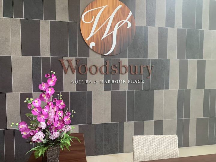 Woodsbury Suites (Sunny) 7722 @ Butterworth