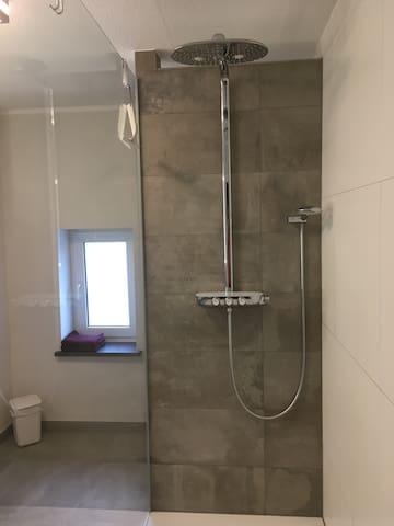 Dusche 100 x 150 cm