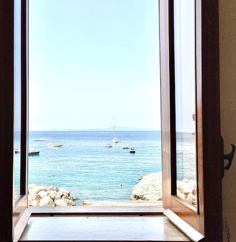 Casa Delfina - Sorrento Sea House on the beach