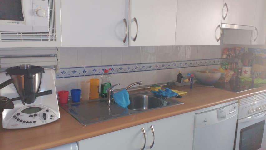 Habitación con cama nido (2 camas) en Leganés - Leganés - Casa