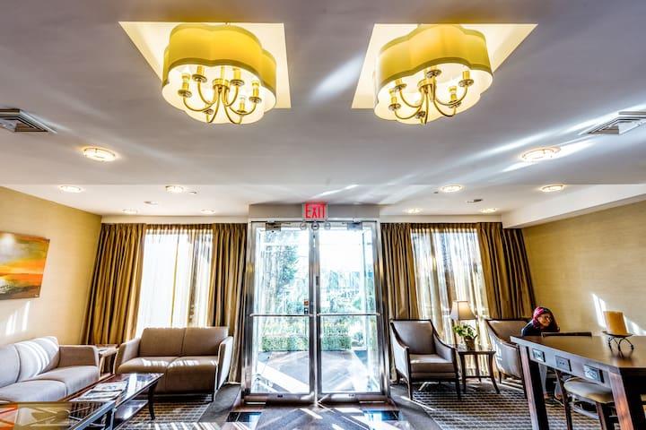 Cozy King Room - Bayside Hotel 25 MIN to Manhattan
