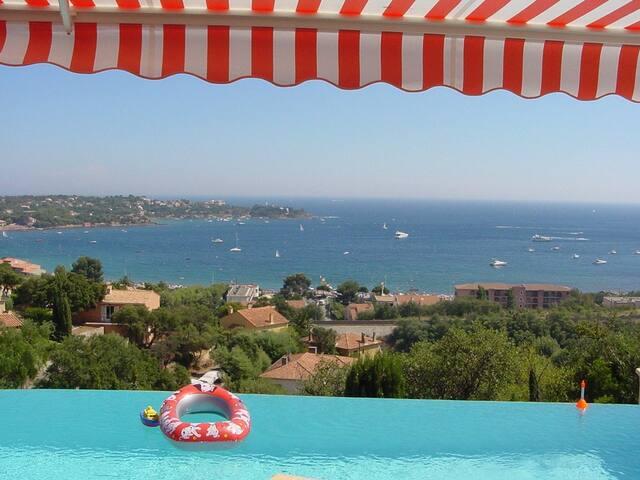 Villa Cerilou, la baie d'Agay - Saint-Raphaël - Casa
