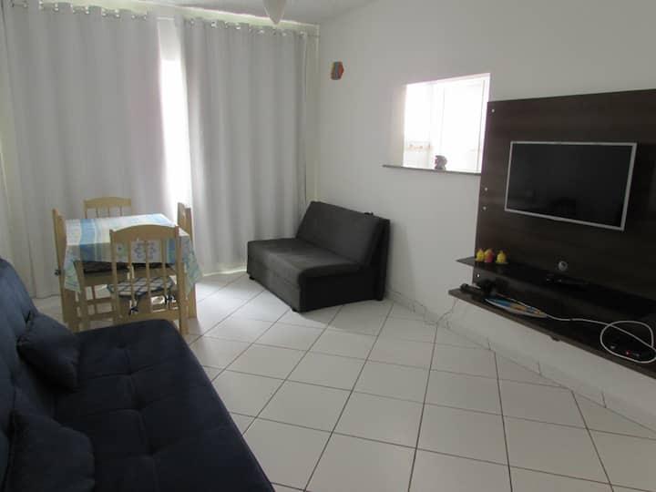 Apartamento simples e aconchegante /20m da Prainha