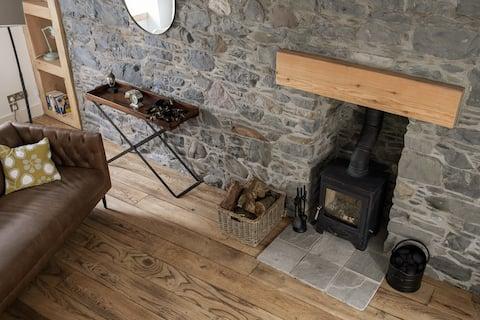 Portside, Stunning Cottage in Heart of Portpatrick