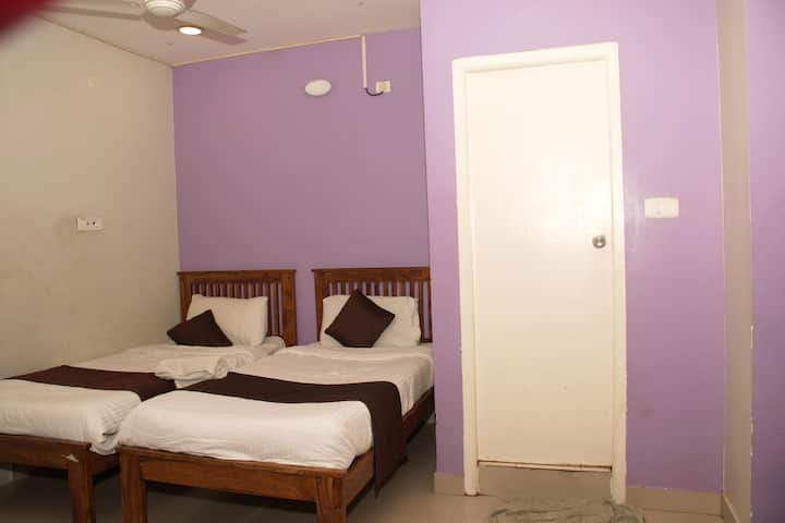 Furnished Rooms in OMR Near Apollo Hospital