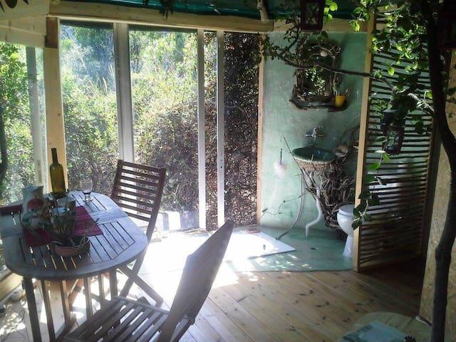 Δενδρόσπιτο στα παράλια του Κισάβου - Koutsoupia - Trädhus