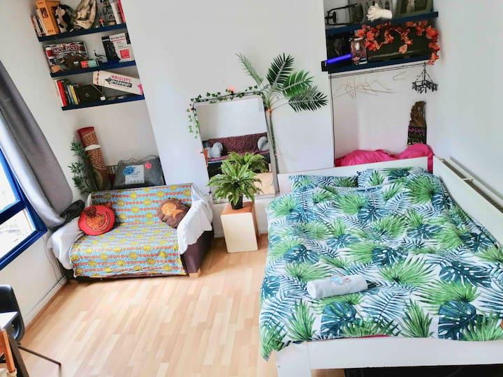 STUNNING shoreditch London zone 1 studio flat! X