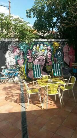 Jolie maison jardin 15min CENTRE VILLE tram