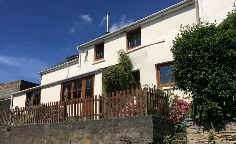 Comfy B&B in character cottage. - Frogmore - Bed & Breakfast