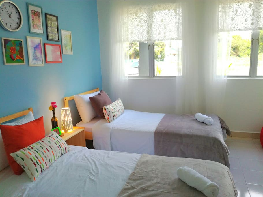 3rd room with twin single bed