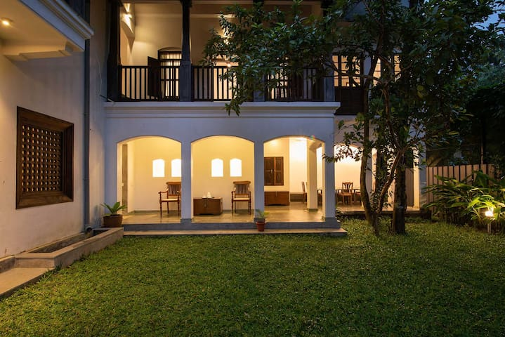 Shalom Villa 1BR with Pool+brkfst  by Vista Rooms
