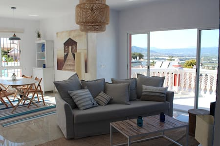 Beautiful penthouse near Malaga - Alhaurín de la Torre - 公寓