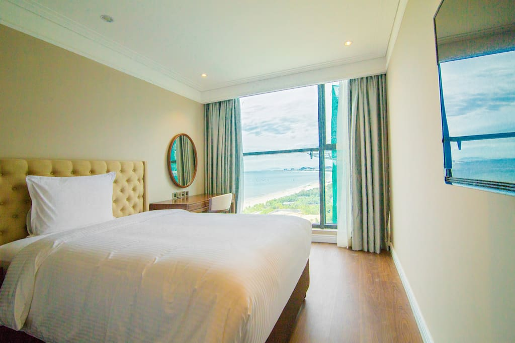 Beachfront luxury 2 bedroom apartment apartments for for 2 master bedroom apartments