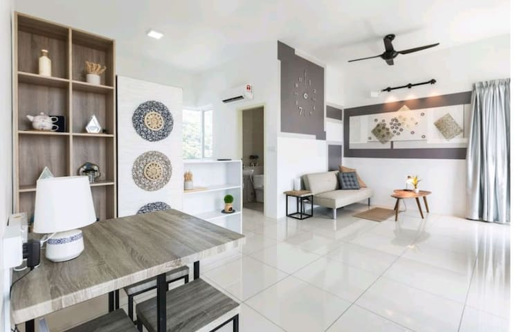 Suite Home Sea view Penang Airport/Baby Cot婴儿配套