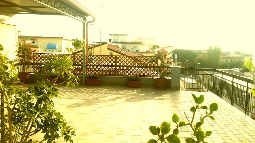 LA TERRAZZA - Sant'Agata di Militello - Oda + Kahvaltı