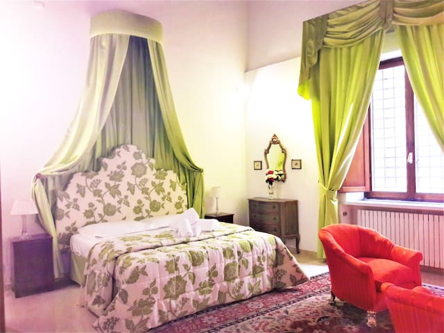 Florence Pitti Suite