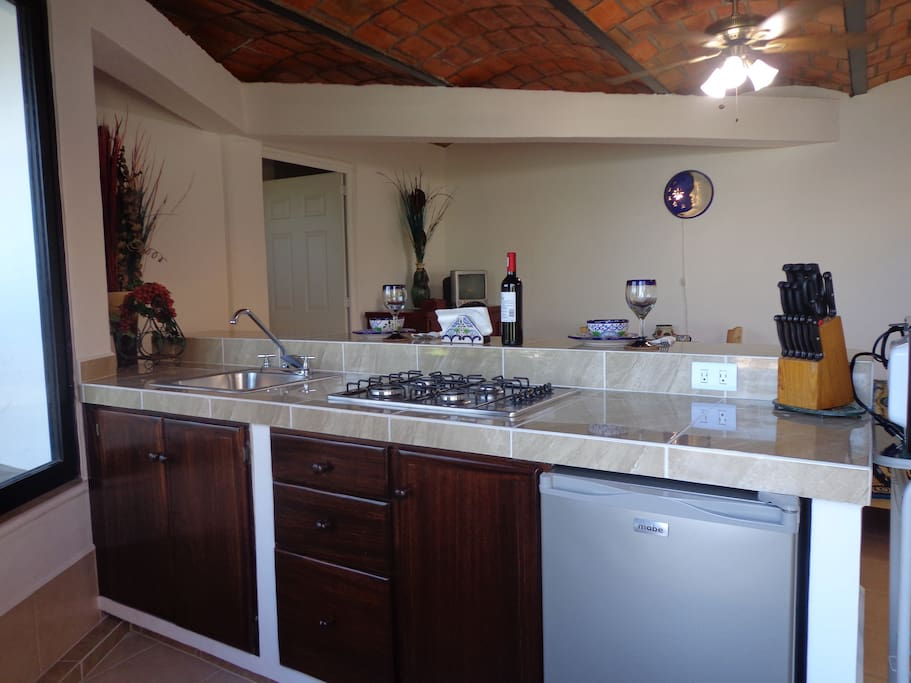 full kitchen, extra side by side refer available for longer stays all cleaning supplies included