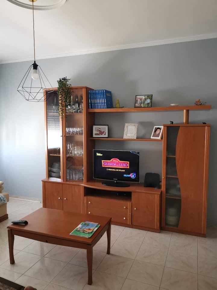 Apartamento central, acolhedor e todo equipado