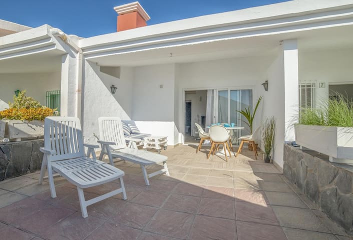 Bungalow terrace and pool San Agustin A by Lightbooking