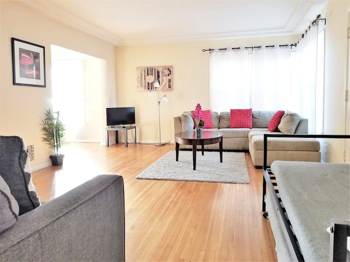 Bargain Beverly Hills! 1 Bedroom in A+ location!