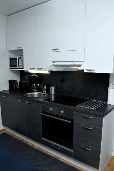 Täysin varusteltu keittiö. Fully equipped kitchen.