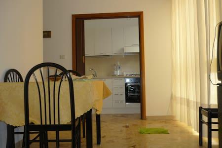Vicino al mare e al centro storico - Manfredonia - Appartement
