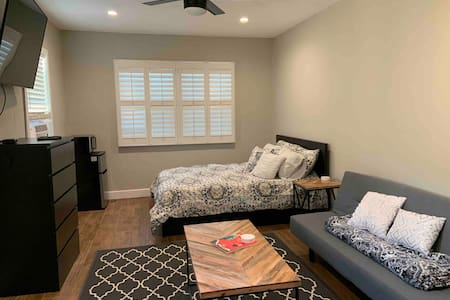 Studio apt close to everything. Monthly specials