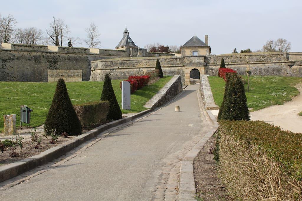 Entrance Porte Dauphine