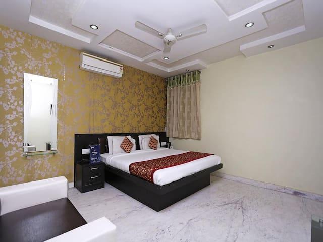 9 Star Hotel-Deluxe Rm/Nr.Taj Mahal/Uttar Pradesh