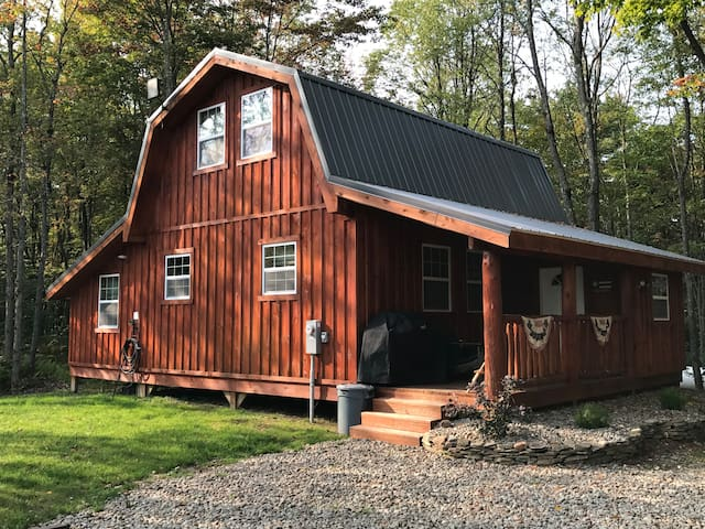 Tug Hill Redfield Cabin on Snowmobile & ATV Trail