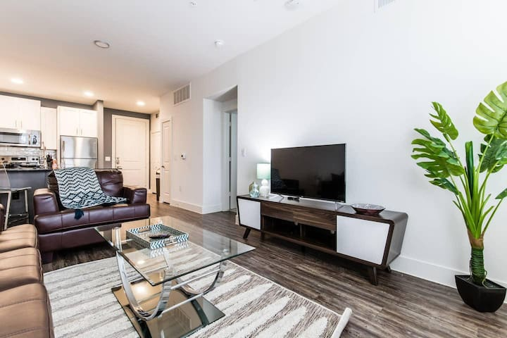 Trinity Groves|Corporate|1Bed|City View