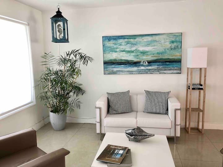 POOL house in a superb LOCATION 8 min to the BEACH