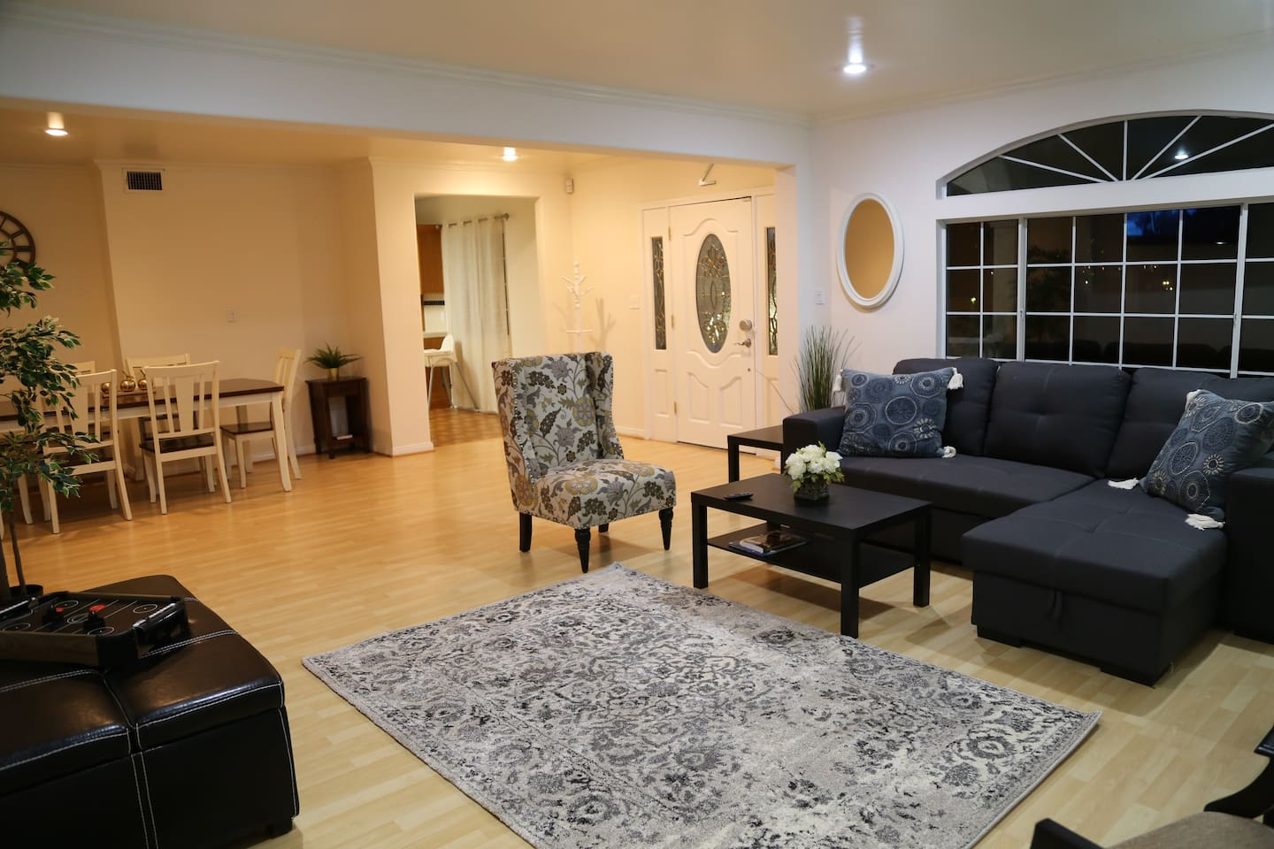 20 min away hollywood universal downtown la houses for rent