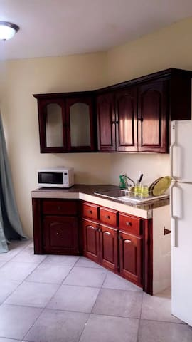 Thompsons' Residence Jamaica (RM02)
