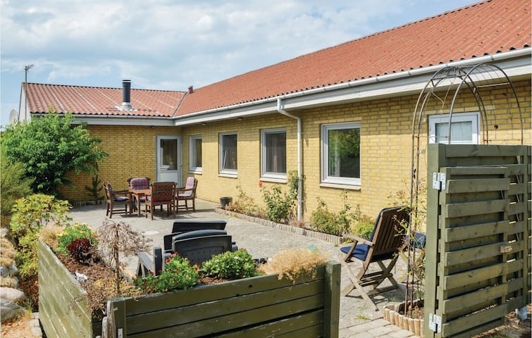 Holiday cottage with 3 bedrooms on 142m² in Nørre Nebel