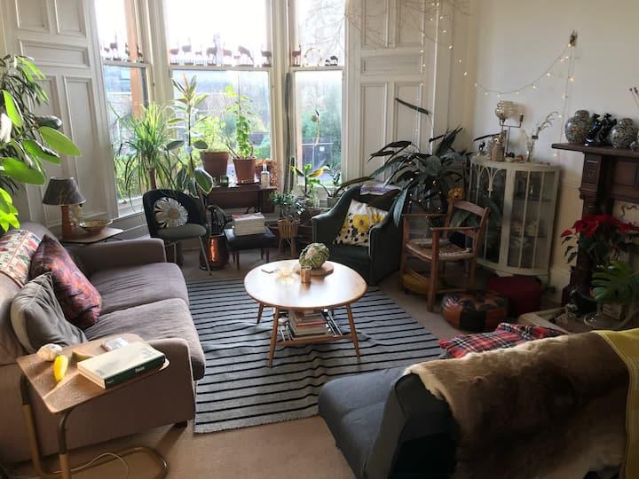 peaceful light and spacious garden flat