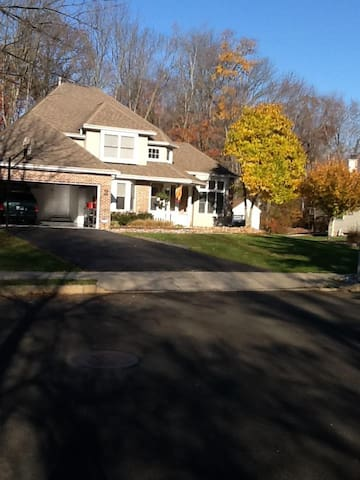 Great, quiet home with many perks. - Warrington - Casa