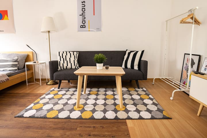Kornhaus DELUXE Apartment - Netflix, WiFi, Balcony