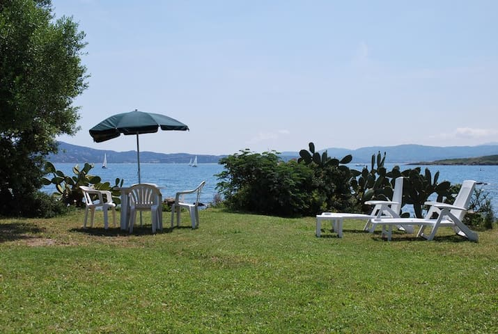BED AND BREAKFAST PUNTA SIRENELLA (C)