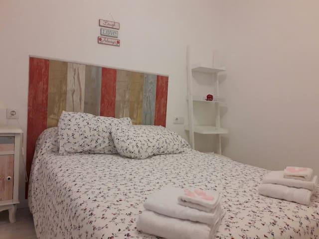 Piso a estrenar, cerca del centro, apto viaje prof - Alacant - Apartamento