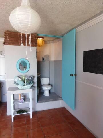 departamento con habitación confort estilo europeo