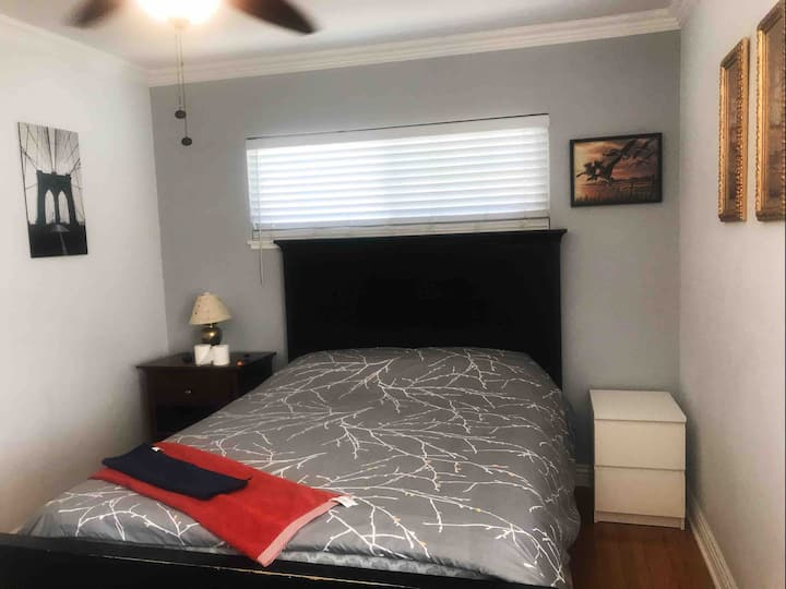 By FWY! Clean One room with a bonus room!