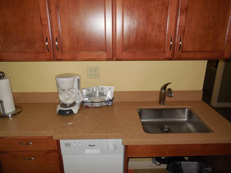 Kitchenette has Dishwasher